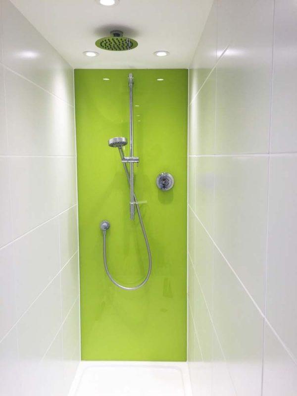 استفاده از شیشه رنگی در حمام