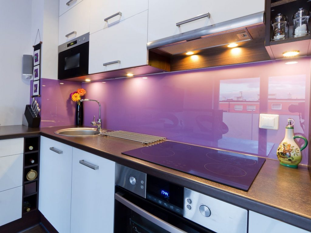 شیشه های رنگی لاکوبل و استفاده در منازل